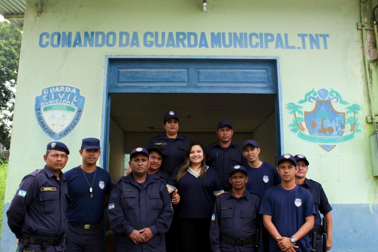 Em Tonantins, Joana Darc (PL) verifica demandas do município